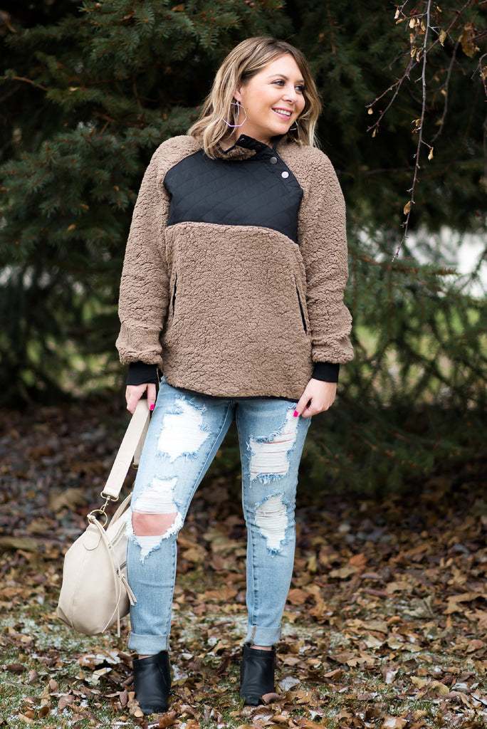 Long Drive Sherpa Pullover in Mocha