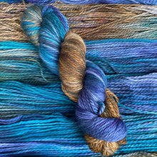 Load image into Gallery viewer, Edward Hopper's Nighthawks - Superwash Merino Aran