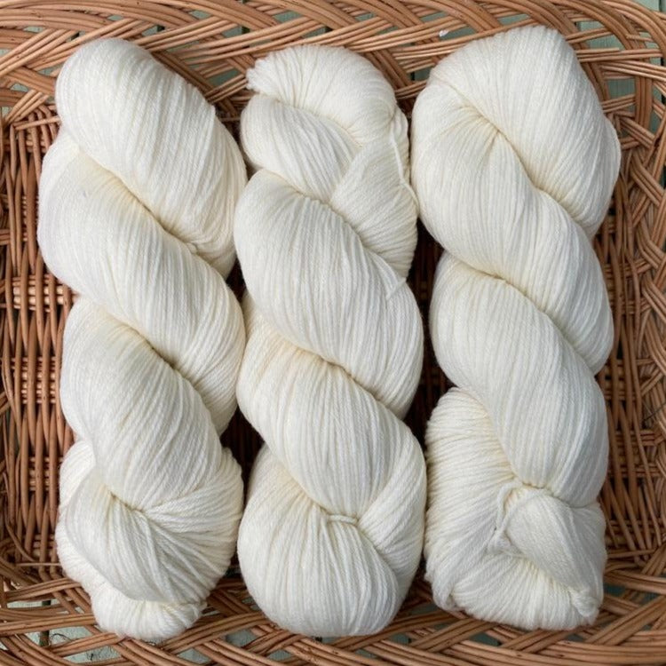 Natural Undyed - Superwash Merino 4 ply