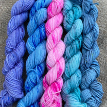 Load image into Gallery viewer, Monet's Water Lilies - Mini Skein Set 100g