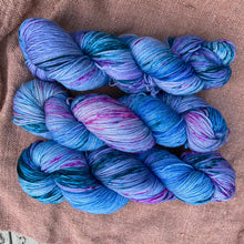 Load image into Gallery viewer, Monet's Water Lilies 1915 - Superwash Merino 4 ply
