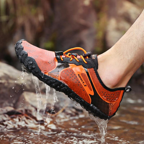 2020 Men Barefoot Five Fingers Shoes Summer Water Shoes for Men Outdoor Lightweight Men Aqua Shoes Fitness Sports Sneakers