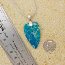 Load image into Gallery viewer, Ocean Waves Necklace