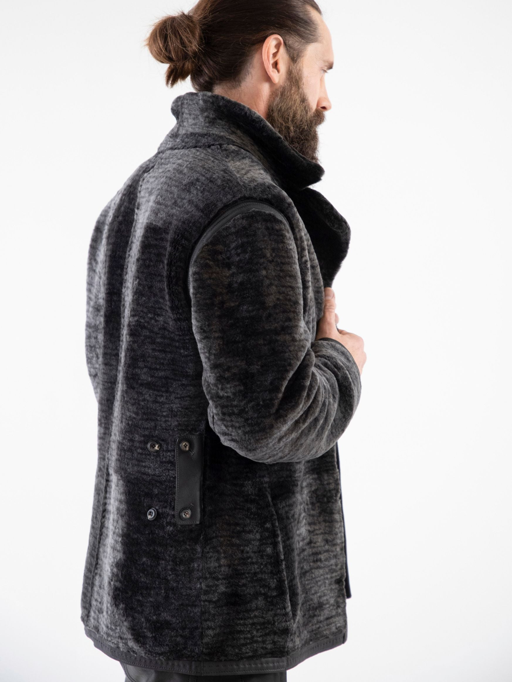 Fleece side of reversible shearling depicting relaxed latch