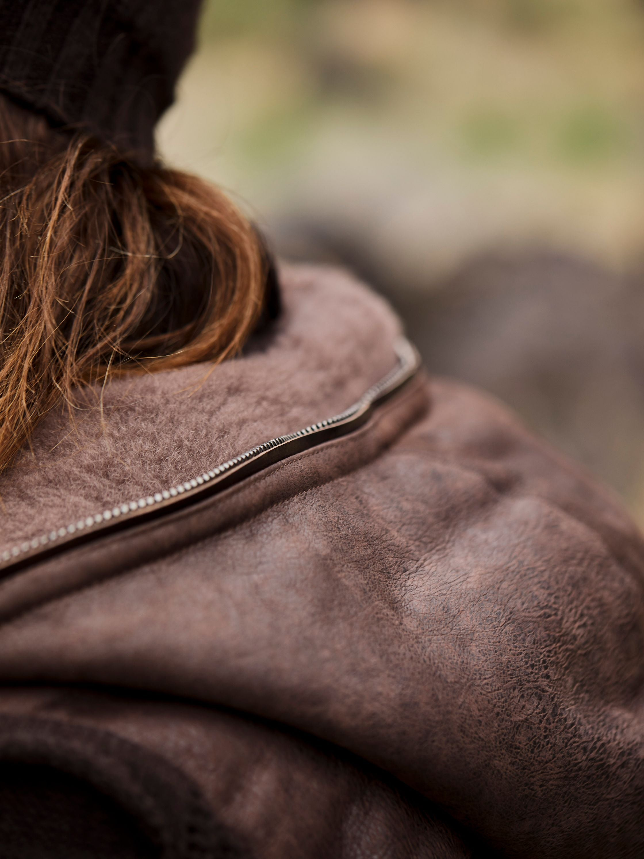 The Spanish fleece-lined hood and body can only be compared to goose down in one's open hand