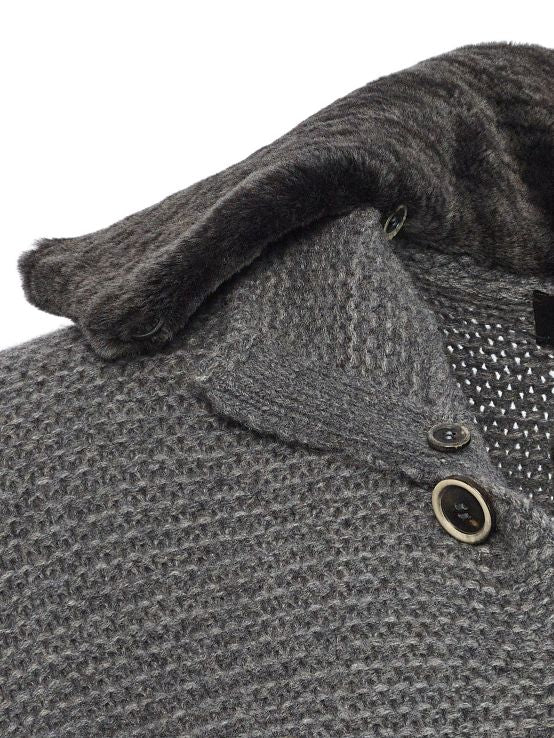 Detachable Spanish merino lamb collar and horn buttons