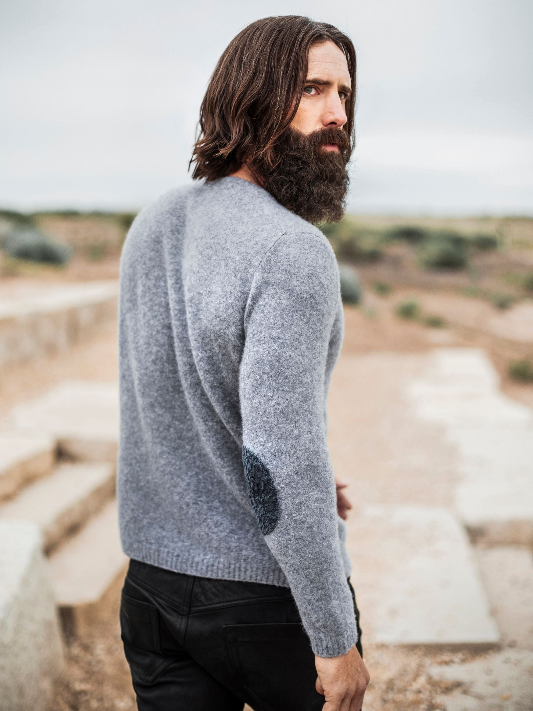 Like fast-moving cirrus clouds, cashmere fleece defies gravity