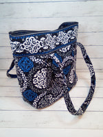 Photo #1 - BRAND: VERA BRADLEY <BR>STYLE: TOTE <BR>COLOR: MULTI <BR>SIZE: MEDIUM <BR>OTHER INFO: LOOP TOP CLOSURE <BR>SKU: 216-21638-64210