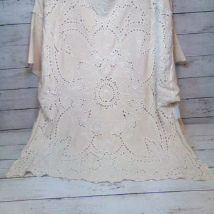 Primary Photo - BRAND: FREE PEOPLE STYLE: TOP SHORT SLEEVE COLOR: CREAM SIZE: M SKU: 216-21638-66799