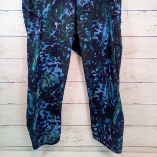 Primary Photo - BRAND: LULULEMON STYLE: ATHLETIC CAPRIS COLOR: MULTI SIZE: 4 OTHER INFO: BLACK/BLUE/GREEN SKU: 216-21638-64826