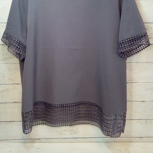 Primary Photo - BRAND: BANANA REPUBLIC O STYLE: TOP SHORT SLEEVE COLOR: PLUM SIZE: L SKU: 216-21612-84289