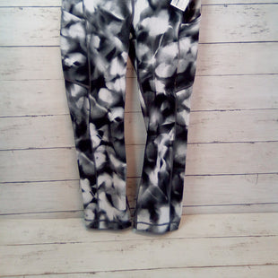 Primary Photo - BRAND: LULULEMON STYLE: ATHLETIC CAPRIS COLOR: MULTI SIZE: 4 OTHER INFO: WHTE/BLK/GRY SKU: 216-21671-412