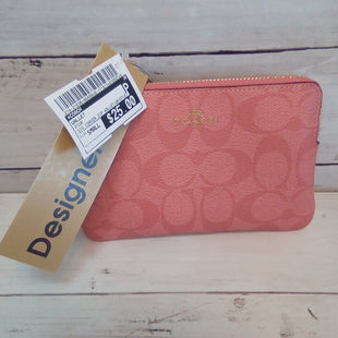 Primary Photo - BRAND: COACH STYLE: WALLET COLOR: PINK SIZE: SMALL OTHER INFO: SIG CORNER ZIP WALLET/WRISTLET SKU: 216-21638-66458