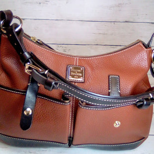 Primary Photo - BRAND: DOONEY AND BOURKE STYLE: HANDBAG DESIGNER COLOR: BROWN SIZE: MEDIUM OTHER INFO: BROWN DOUBLE POCKET SHLDR SKU: 216-21612-83756