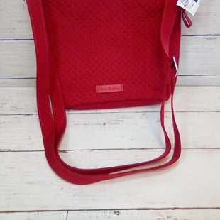 Primary Photo - BRAND: VERA BRADLEY STYLE: HANDBAG COLOR: RED SIZE: SMALL OTHER INFO: BUCKET CROSSBODY SKU: 216-21638-59156