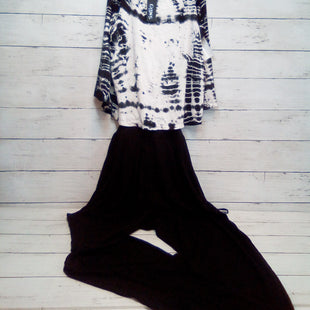 Primary Photo - BRAND:   CMC STYLE: DRESS LONG SLEEVELESS COLOR: BLACK WHITE SIZE: XS OTHER INFO: GYPSY - JUMPSUIT SKU: 216-21644-15149