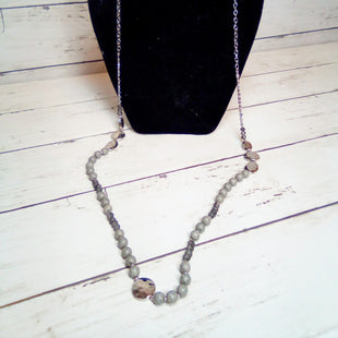 Primary Photo - BRAND:    CLOTHES MENTOR STYLE: NECKLACE COLOR: GREY OTHER INFO: LONG GREY BEADS/SLVR SKU: 216-21612-79359