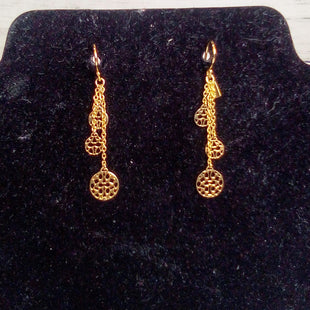Primary Photo - BRAND: COACH STYLE: EARRINGS COLOR: GOLD OTHER INFO: DANGLING ETCHED RNDS SKU: 216-21612-87796