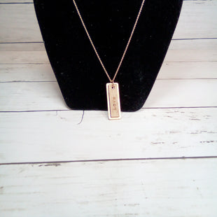 Primary Photo - BRAND:    CLOTHES MENTOR STYLE: NECKLACE COLOR: WOOD OTHER INFO: LOVE ON GOLD CHAIN SKU: 216-21612-82825