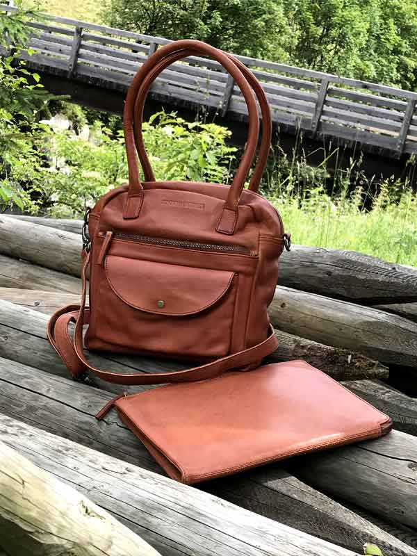 Sticks and Stones - Lederhandtasche Colorado Bag Cognac und Tokyo Tablet Sleeve Cognac