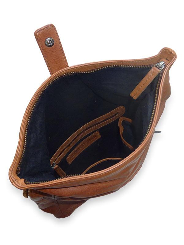 Sticks and Stones - Kurierrucksack - Cognac Innenansicht