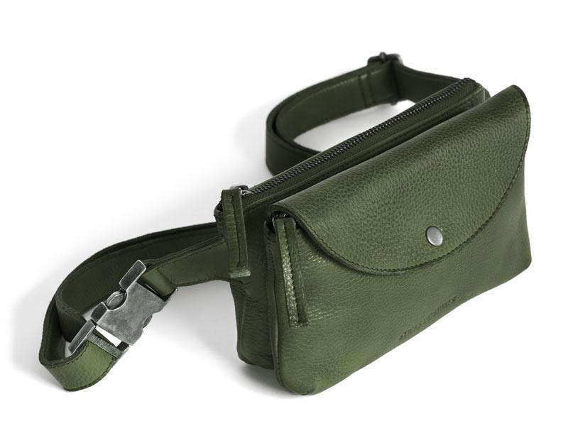 Sticks and Stones Gürteltasche Indio – Dark Olive Tragevariante