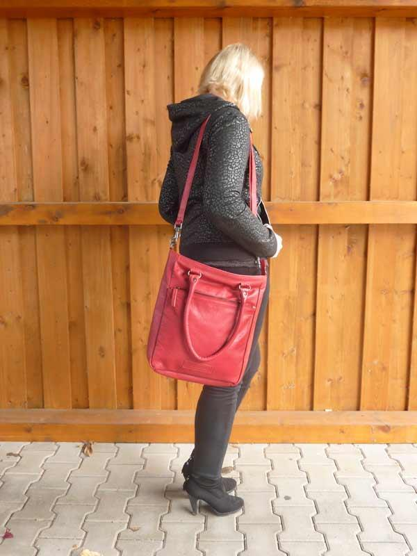 Sticks and Stones - Lederhandtasche Malibu Bag - Red als Schultertasche