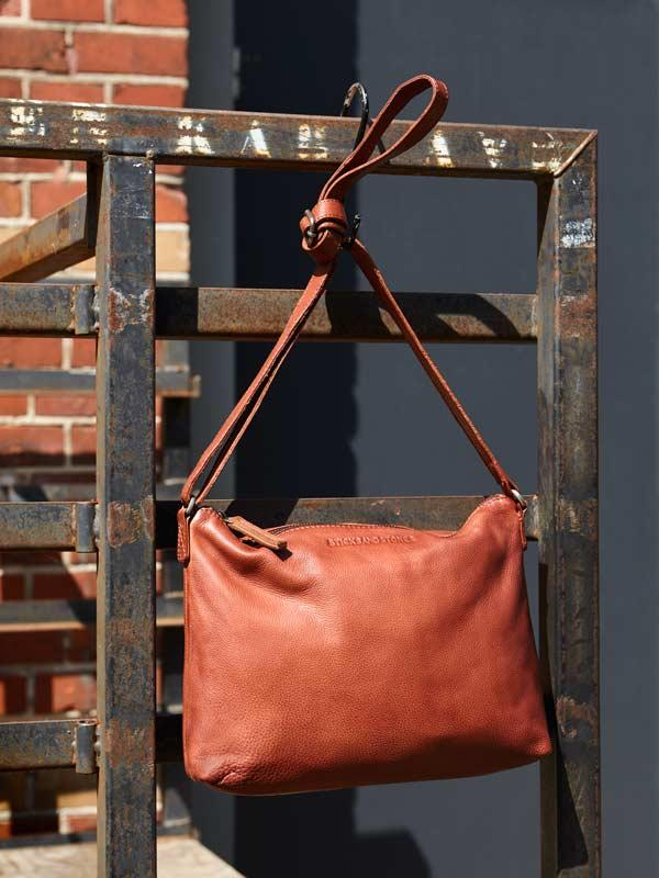 Sticks and Stones - Ledertasche Melrose - Mustang Brown