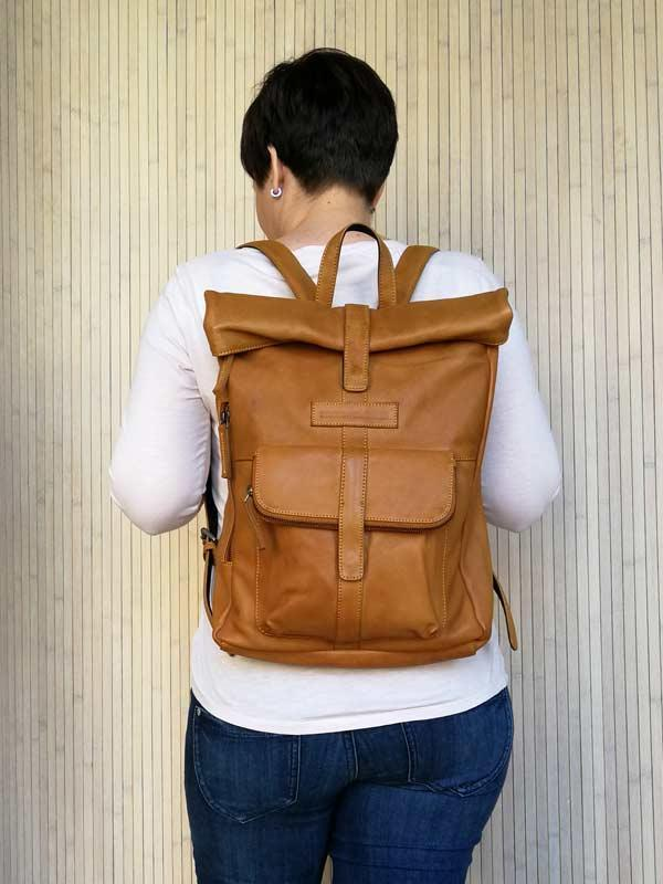 Sticks and Stones - Lederrucksack Messenger Backpack als Rucksack