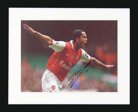 "Theo Walcott 12 x 8"" Signed Photograph"