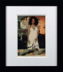 "Diana Ross 8 x 10"" Signed Photograph"