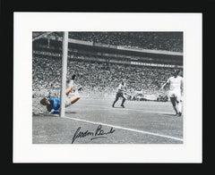 "Gordon Banks 16 x 12"" Signed Photograph"