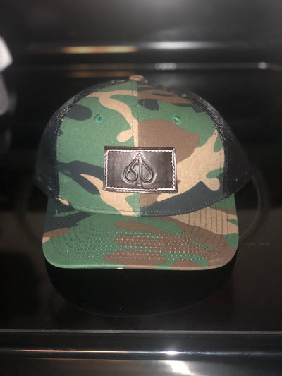 SD Camo hat(center)