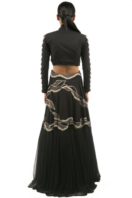 BLACK KNOT BLOUSE WITH EMBROIDERED SKIRT
