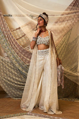 the-wedding-voyage-shaheda-embroidered-cape-set
