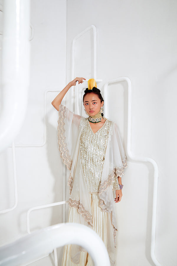 ivory-embroidered-kurta-set