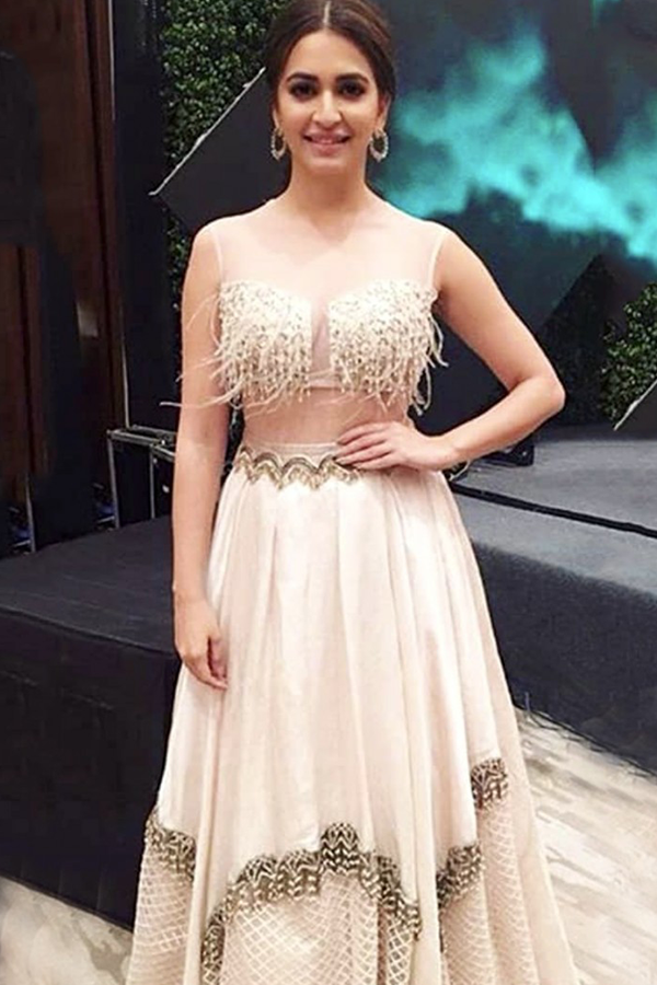 KRITI KHARBANDA IN OUR IVORY FEATHER EMBROIDERED LEHENGA