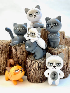 70705 ANGRY CATS FIGURINES-24