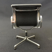 Load image into Gallery viewer, 75147 Miniature Office Chair-BLACK-1