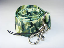 Load image into Gallery viewer, 80035 WOODLAND LANYARD-10