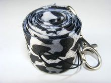 Load image into Gallery viewer, 80029 SBNOW LEOPARD LANYARD-10