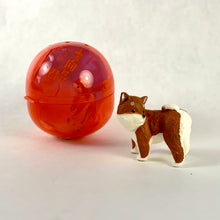 Load image into Gallery viewer, 70829 TURNING DOG CAPSULE-6