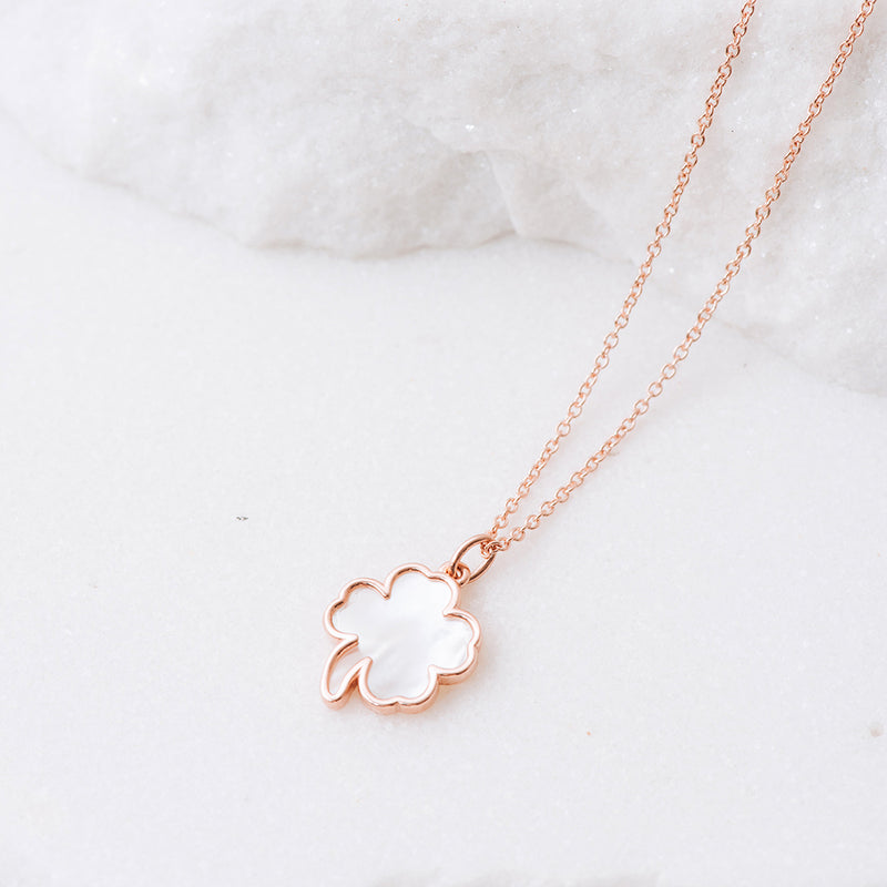 Mother of Pearl Clover Necklace - NECKLACE - [variant.title]- Borboleta