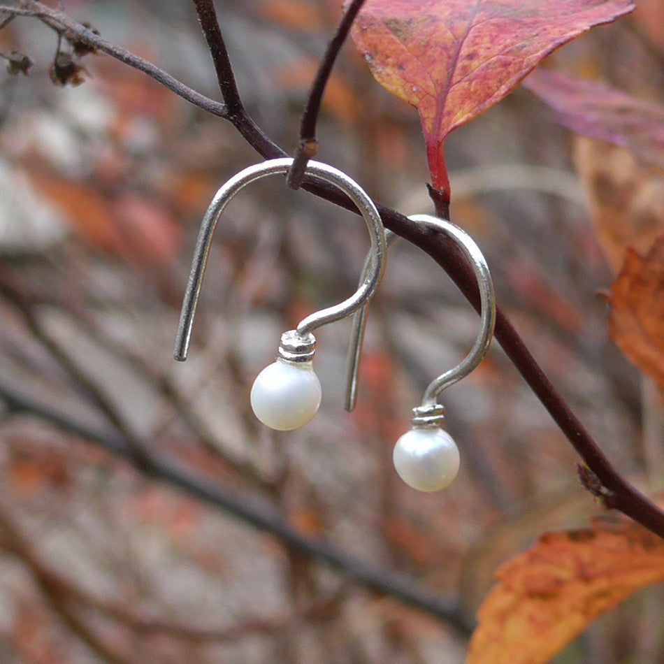 fair trade sterling silver pearl earrings handmade in Bali