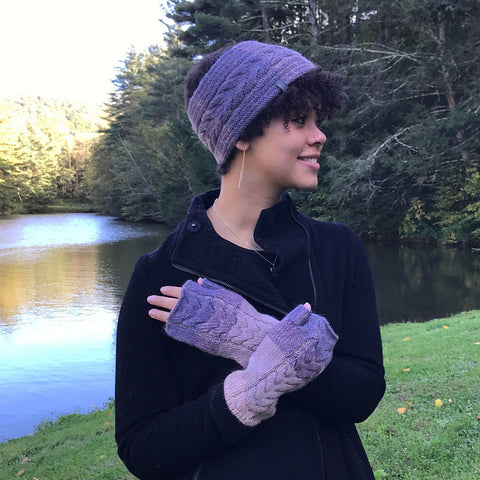 Fair trade alpaca gloves handmade by women in Peru