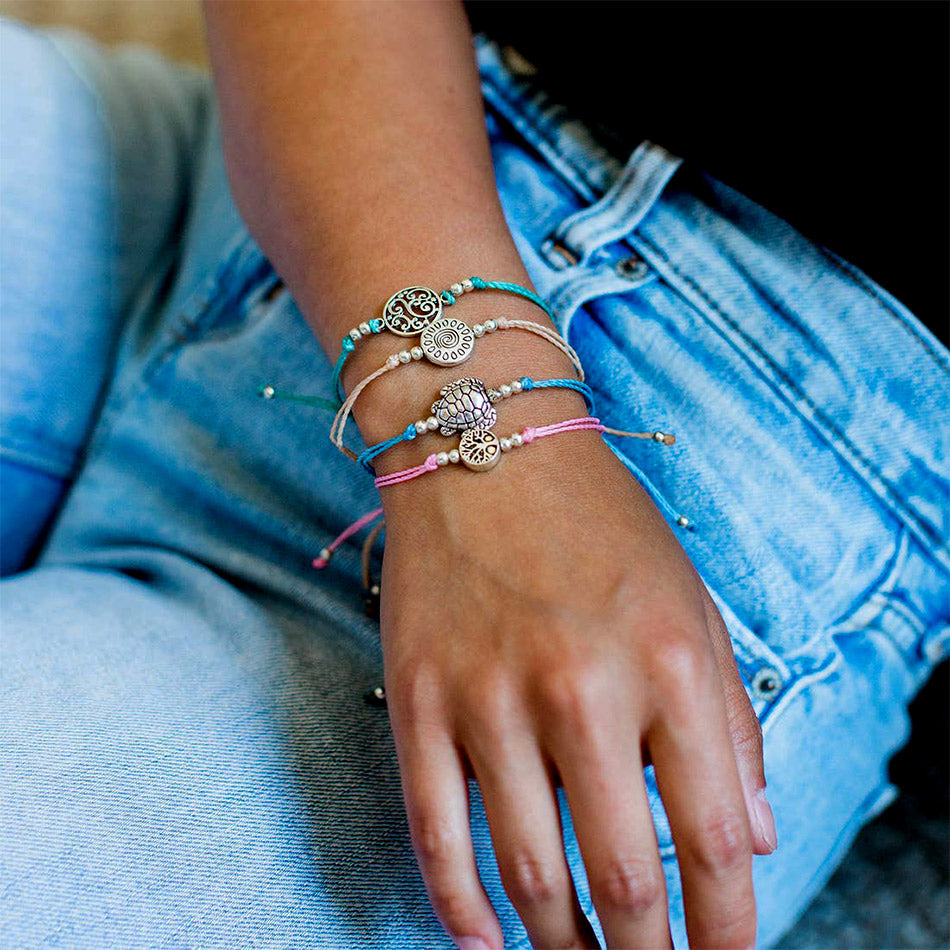 Fair trade string bracelets handmade in Gutatemala