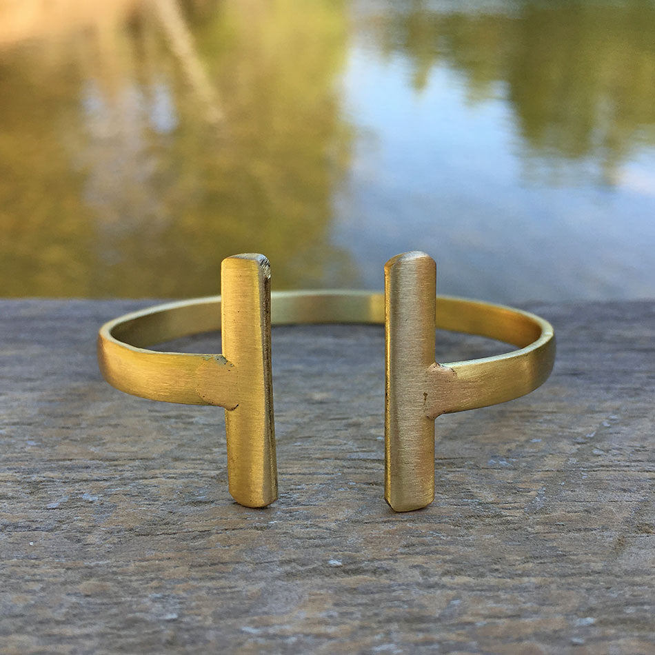 Fit To A T Cuff - Gold, India