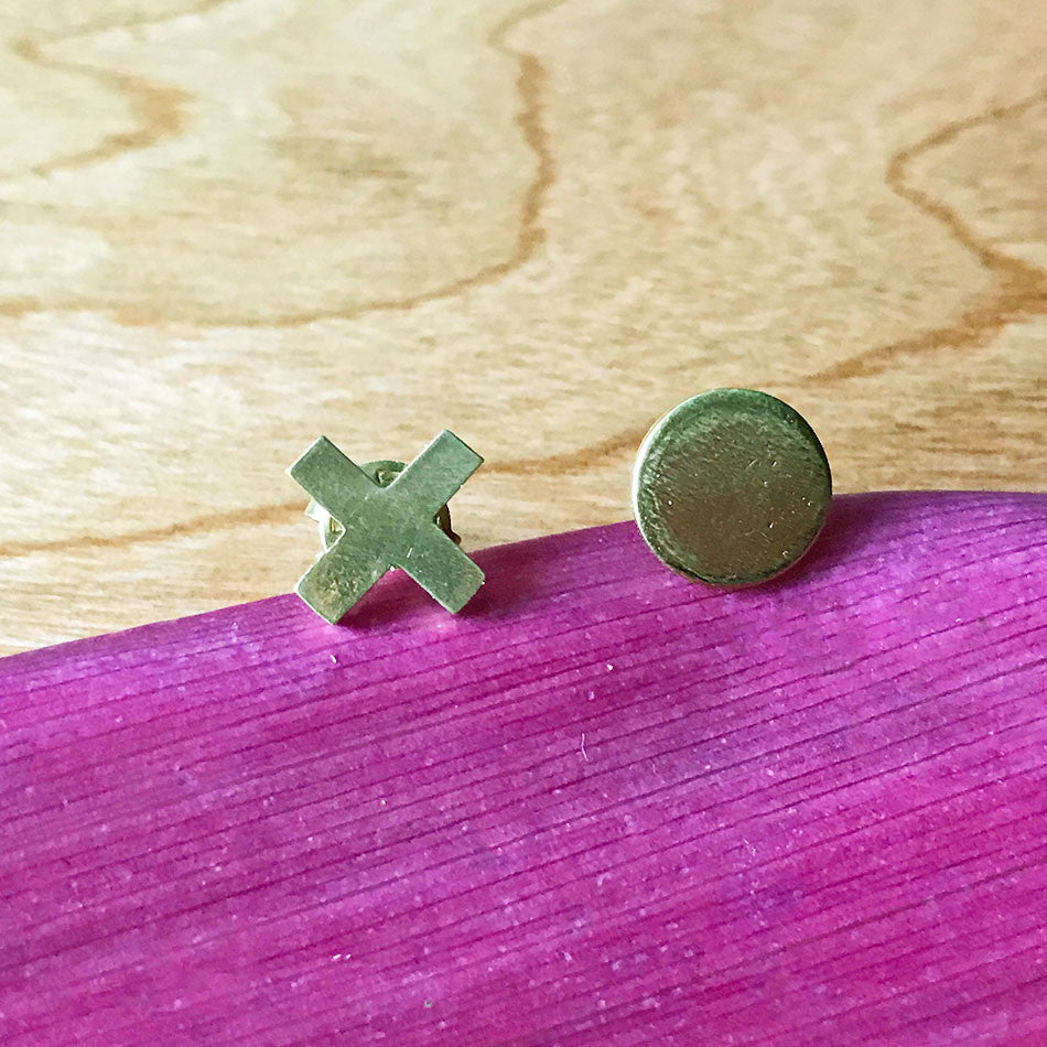 XO Stud Earrings - Gold, Nepal