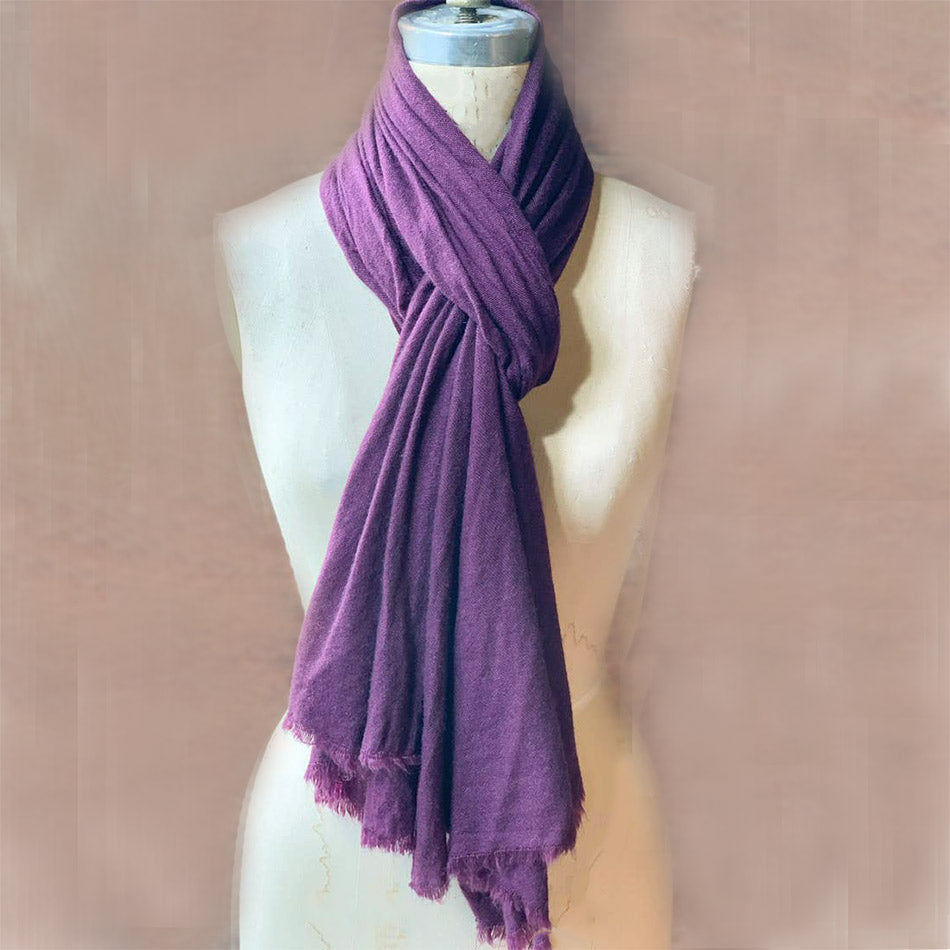 Fair trade cashmere scarf handmade in Nepal
