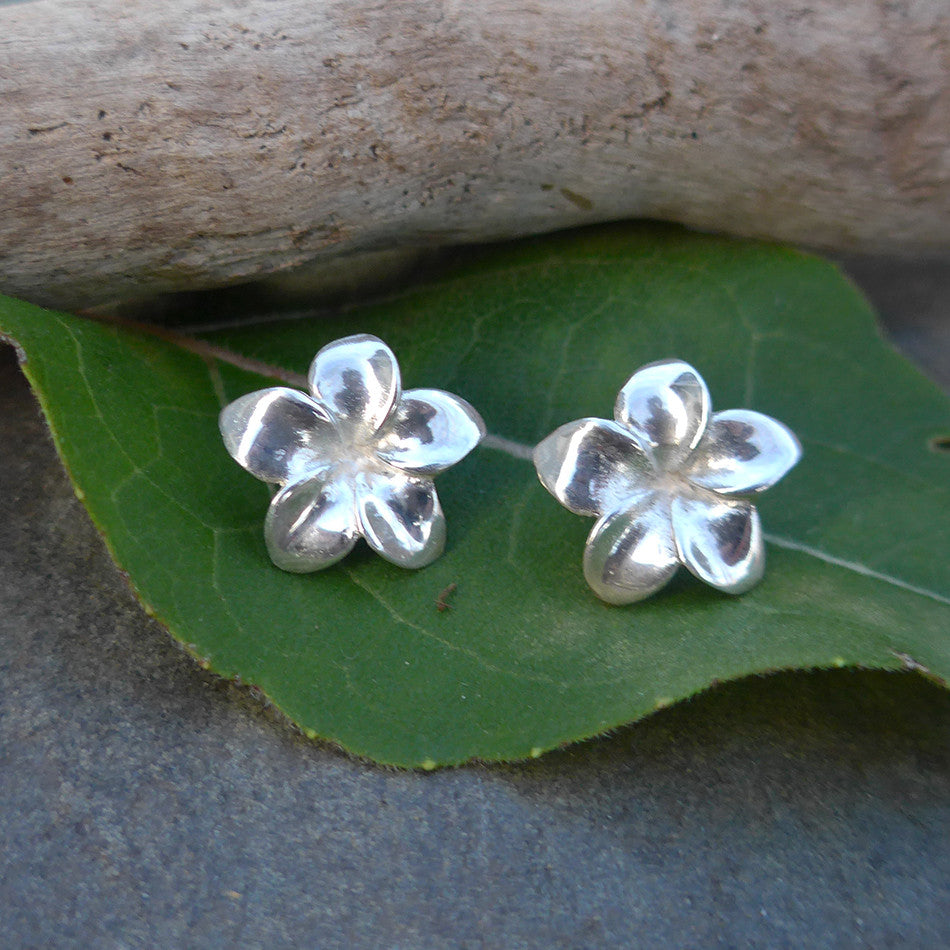 fair trade sterling silver flower earrings handcrafted in Bali